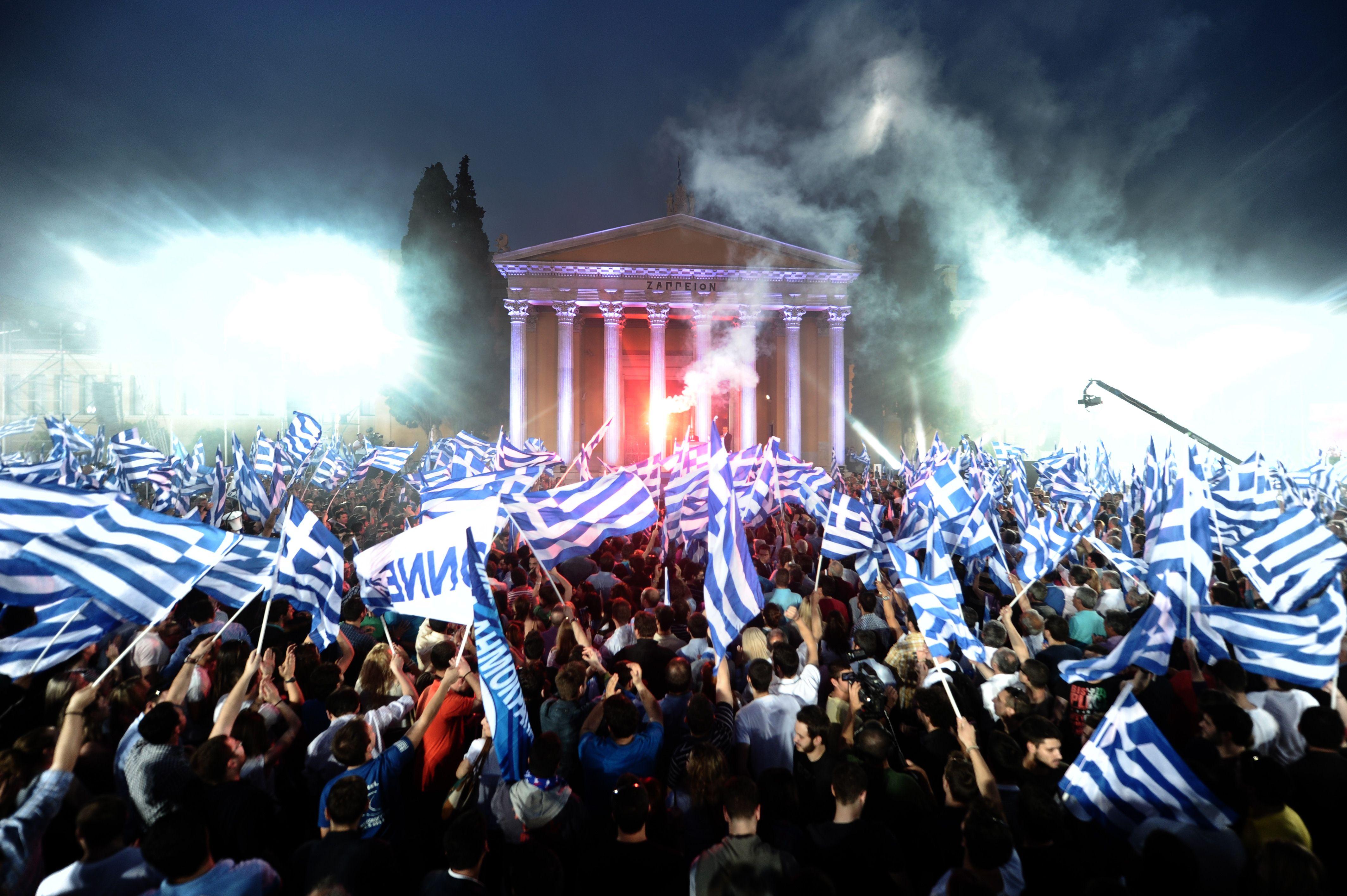 TOPSHOTS / AFP PHOTO / ARIS MESSINIS